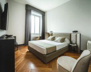 camera-doppia-matrimoniale-guest-house-castello-dove-dormire-a-milano