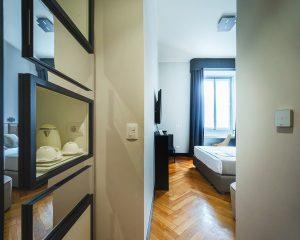ingresso-frigo-bar-guest-house-castello-dove-dormire-a-milano